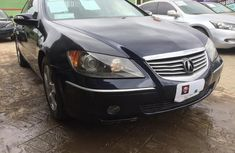 Selling blue 2005 Acura RL sedan automatic at price ₦1,300,000