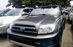 Selling 2005 Toyota 4-Runner automatic in good condition