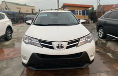 Need to sell cheap used 2015 Toyota RAV4 suv / crossover automatic