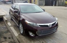 Neat Tokunbo Used Toyota Avalon 2015 Model