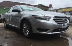 Sell grey/silver 2013 Ford Taurus automatic in Lagos at cheap price