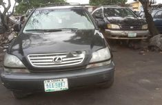 Need to sell used 2000 Lexus RX in Lagos at cheap price
