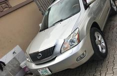 Sell well kept 2005 Lexus RX automatic in Lagos