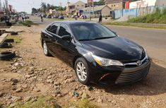 Selling black 2016 Toyota Camry sedan automatic at price ₦7,000,000