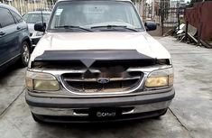 Need to sell cheap used gold 1998 Ford Explorer suv / crossover in Lagos