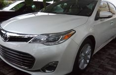 Sell well kept 2014 Toyota Avalon automatic in Lagos