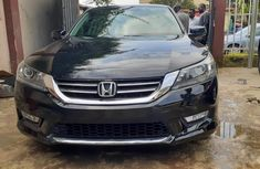 Sell well kept 2014 Honda Accord automatic