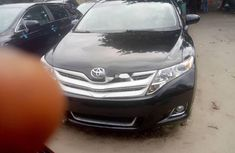 Sell sparkling 2011 Toyota Venza suv / crossover automatic