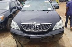 Need to sell used 2004 Lexus RX in Lagos at cheap price