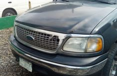 Need to sell high quality 2000 Ford Expedition suv / crossover automatic at price ₦700,000