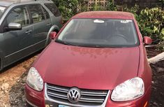 Authentic red 2006 Volkswagen Jetta automatic in good condition