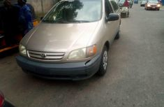 Neatly Used Nigerian Used 2003 Toyota Sienna