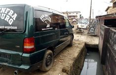Very Clean Nigerian used 2000 Mercedes-Benz C200
