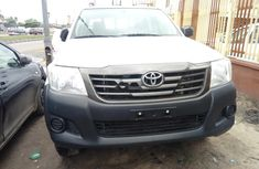 Clean Nigerian Used Toyota Hilux 2015