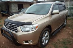 Clean Foreign used Toyota Highlander 2007