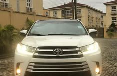 Clean Tokunbo Used  Toyota Highlander 2014