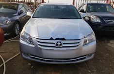 Foreign Used 2005 Toyota Avalon in Lagos