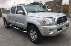 Sharp Nigerian Used Toyota Tacoma 2005 Model  in Lagos