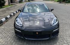 Neat Foreign used 2016 Porsche Panamera