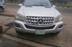 Neat Nigerian used 2009 Mercedes-Benz ML350