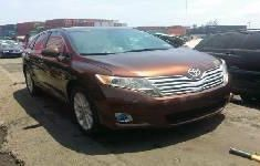 Neat Foreign used 2010 Toyota Venza
