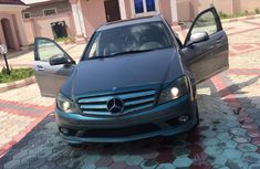 Super clean Nigerian used Mercedes Benz c350 2009