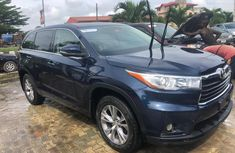 Neat Foreign Used  Toyota Highlander 2014