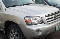 Fairly Used 2005 Toyota HighlanderJeep