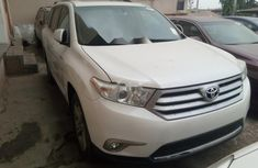 Neat Foreign used 2013 Toyota Highlander
