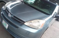 Neat Foreign used Toyota Sienna 2006