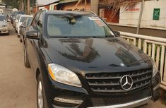 Neat Foreign used Mercedes-Benz ML350 2012
