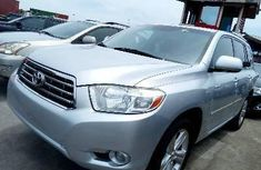 Neat Foreign used Toyota Highlander 2009