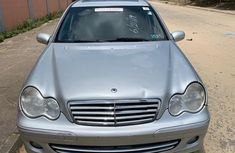 Neat Foreign used 2006 Mercedes-Benz C280