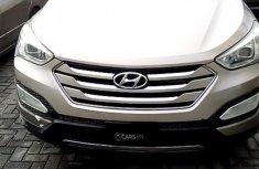 Nigerian Used Foreign Used 2013 Hyundai Santa Fe in Lagos
