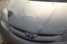 Neat Foreign Used  Toyota Sienna 2008