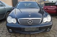 Nigerian Used Mercedes-Benz C180 2005 Model in Ikeja