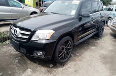 Neat Foreign Used Mercedes Benz GLK 350 2010