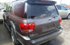Neat Tokunbo Used Toyota Sequoia 2007 Grey/Silver