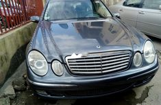Neat Foreign used Mercedes-Benz E350 2005