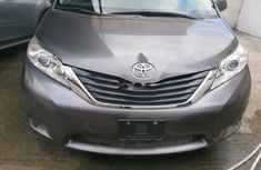 Neat Foreign used 2012 Toyota Sienna