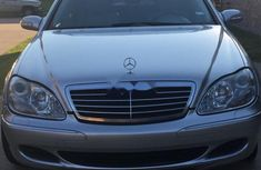 Neat Foreign used 2005 Mercedes-Benz S500