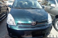 Neat Foreign used Toyota Verso 2005