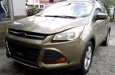 Well Maintained Nigerian used 2013 Ford Escape