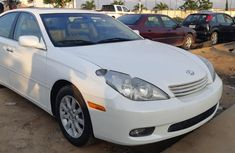 Neat Foreign used 2004 Lexus ES Petrol