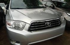 Clean Tokunbo Used Toyota Highlander 2009 Grey/Silver