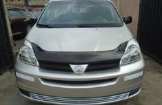 Well Maintained Nigerian used Toyota Sienna