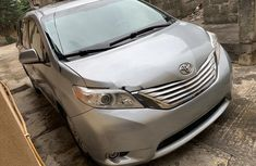 Neat Foreign used Toyota Sienna 2014