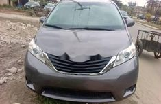 Super Clean Foreign used Toyota Sienna 2012