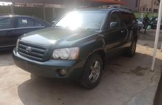 Super Clean Nigerian used 2004 Toyota Highlander