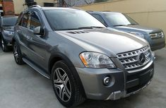 Neat Tokunbo  Mercedes-Benz ML 2011 Grey/Silver